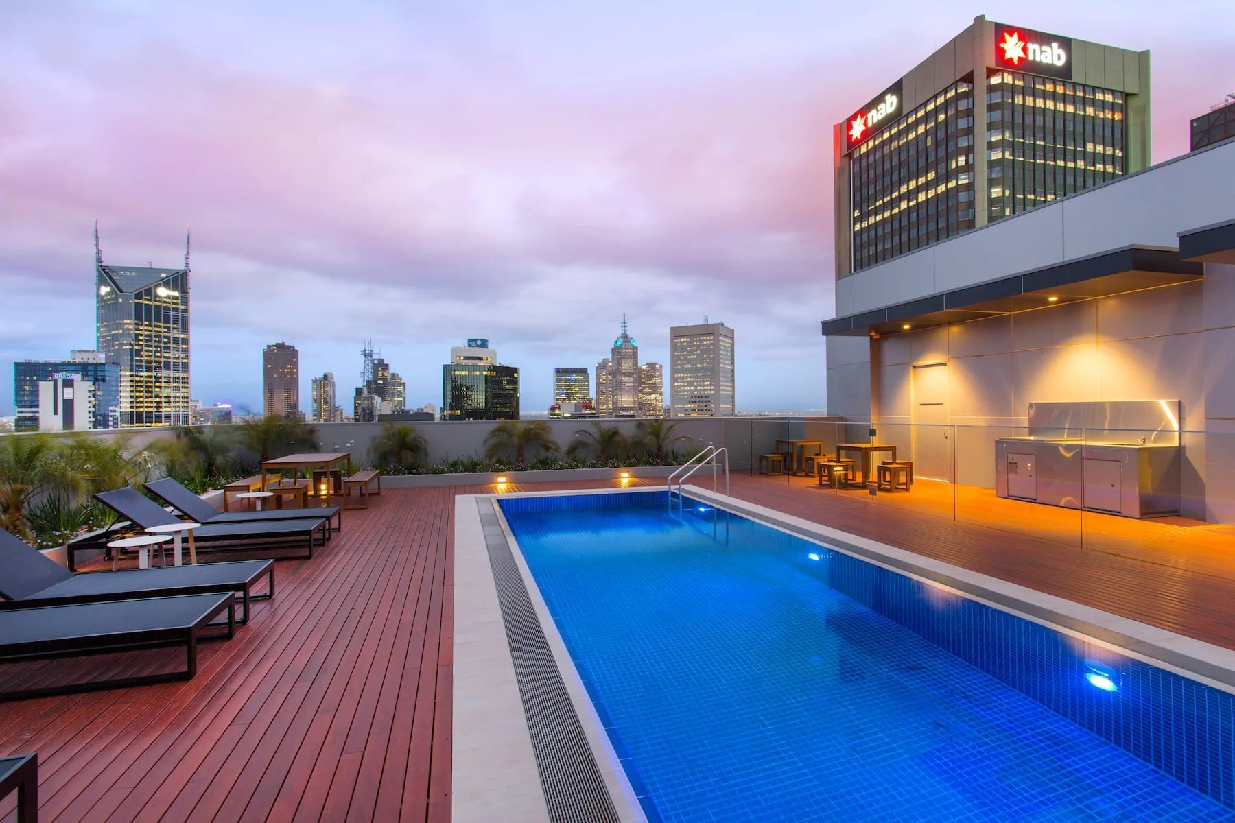 Wyndham Hotel Melbourne Suite Pool View 4